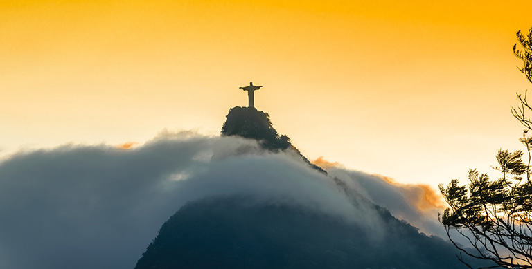 Статуя Христа-Спасителя