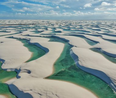 Пустыня в Бразилии с озерами